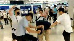Χονγκ Κονγκ: Επίθεση της «Τριάδας» κατά αντικυβερνητικών