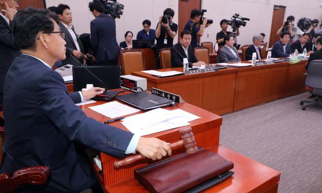 '일본 수출규제 철회 촉구 결의안'이 드디어 상임위를