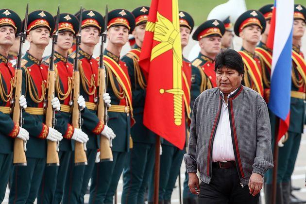 Evo Morales favorito nei sondaggi, ma cavalca un'onda senza più