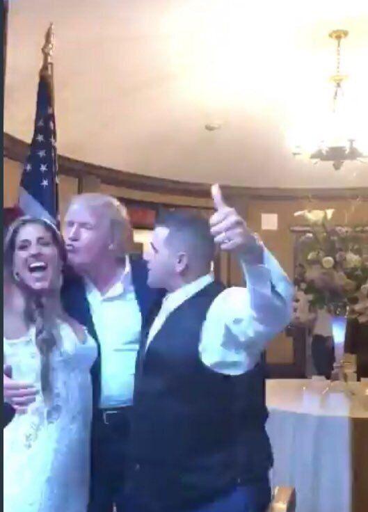 O Τραμπ πήγε απρόσκλητος σε γάμο - Αναυδο το ζεύγος και οι