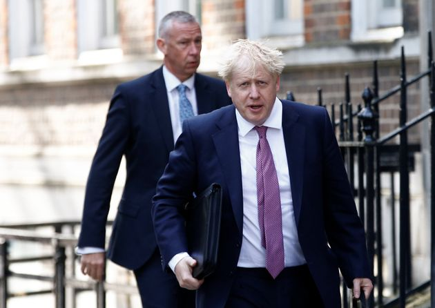 Grande-Bretagne : Boris Johnson aux marches de Downing