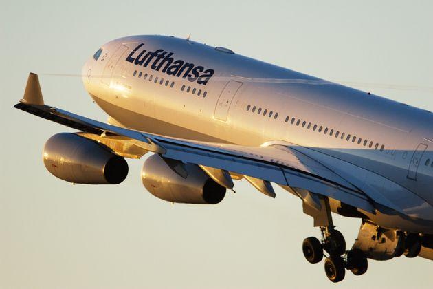Άνδρας έκανε τηλεφώνημα για ψεύτικη βόμβα σε αεροπλάνο για να ζητήσει σε ραντεβού