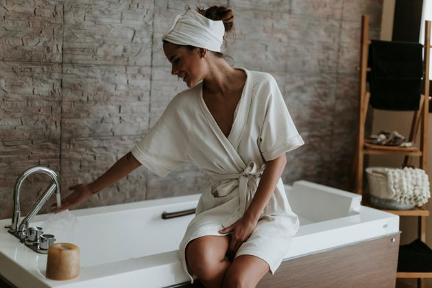 The optimum temperature for a bath that improves sleep quality isbetween 40 and 43 degrees