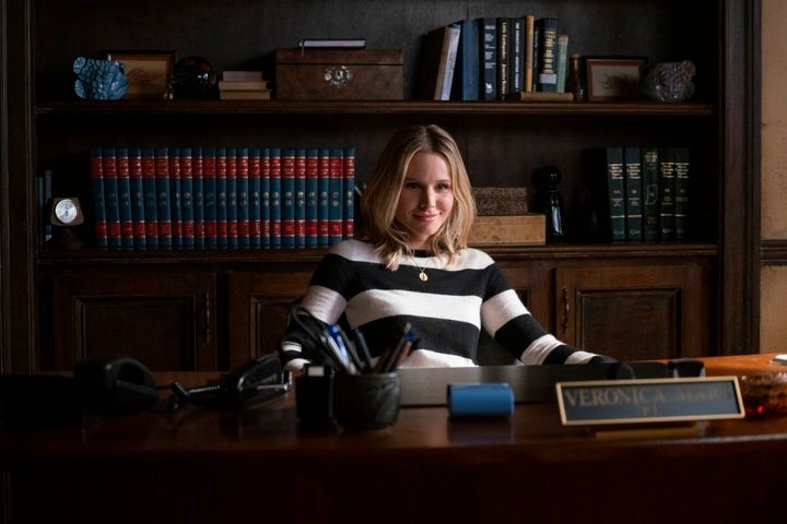 "If ""Veronica Mars"" is going to live another day, romance shouldn't be the heartbeat of the show."