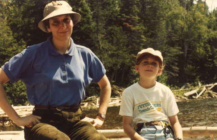 Anna Nordberg avec sa mère, photo non datée.