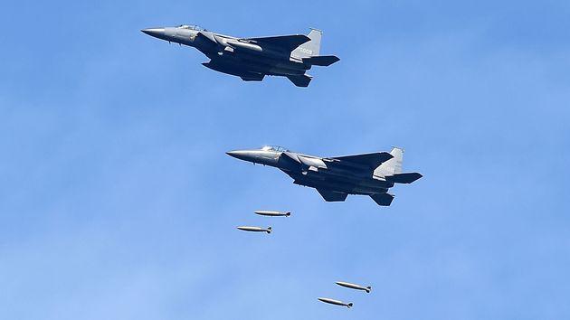 Des chasseurs-bombardiers lors d'un entraînement en août 2017 à Gangwon, en Corée...