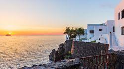 In vendita la villa di Dolce e Gabbana a Stromboli: 7 camere e 9 bagni con eliporto a 1