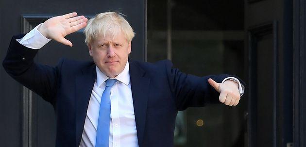 Boris Johnson arrivant au siège du Parti conservateur après avoir été nommé...
