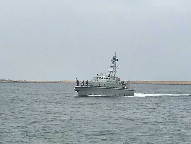Motovedetta libica sequestra un peschereccio italiano nel golfo di Sirte: Farnesina e ambasciata già
