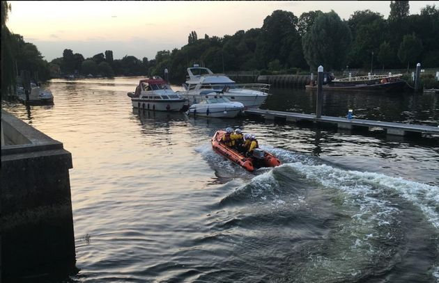 Police Divers Are Searching For Three Missing Swimmers In The Thames