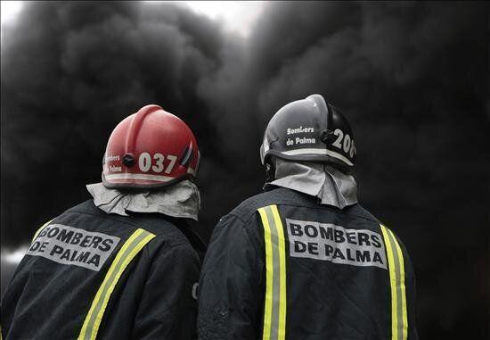 Cinco quemados, uno crítico, en el incendio de un edificio en