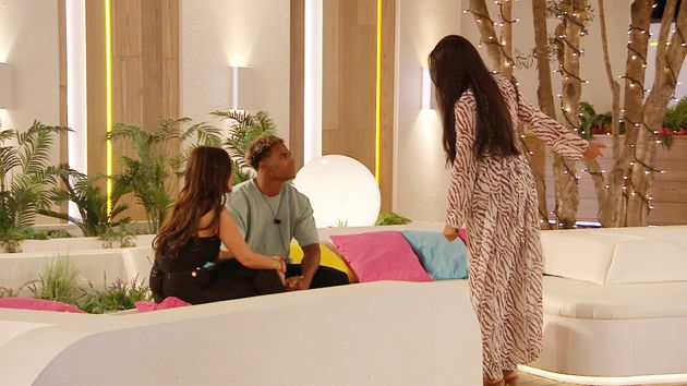 Love Island: Anna And Jordans Row Had Everyone On Twitter Absolutely Gripped