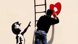 Así se burla un grafitero de un guardia de