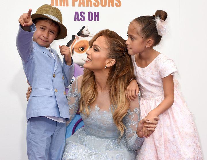Jennifer Lopez with her children in 2015.