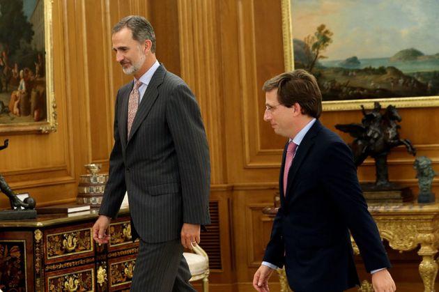 Felipe VI recibe a Martínez-Almeida y todo el mundo comenta lo