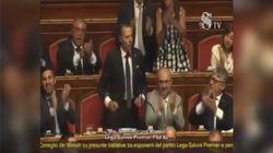 Biabbiano arriva in Senato durante la discussione Lega-Russia