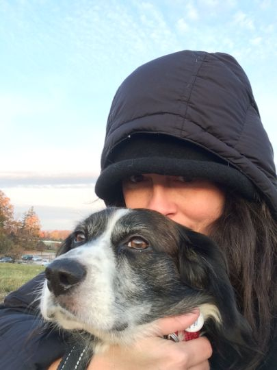 Nina McCollum et son chien,