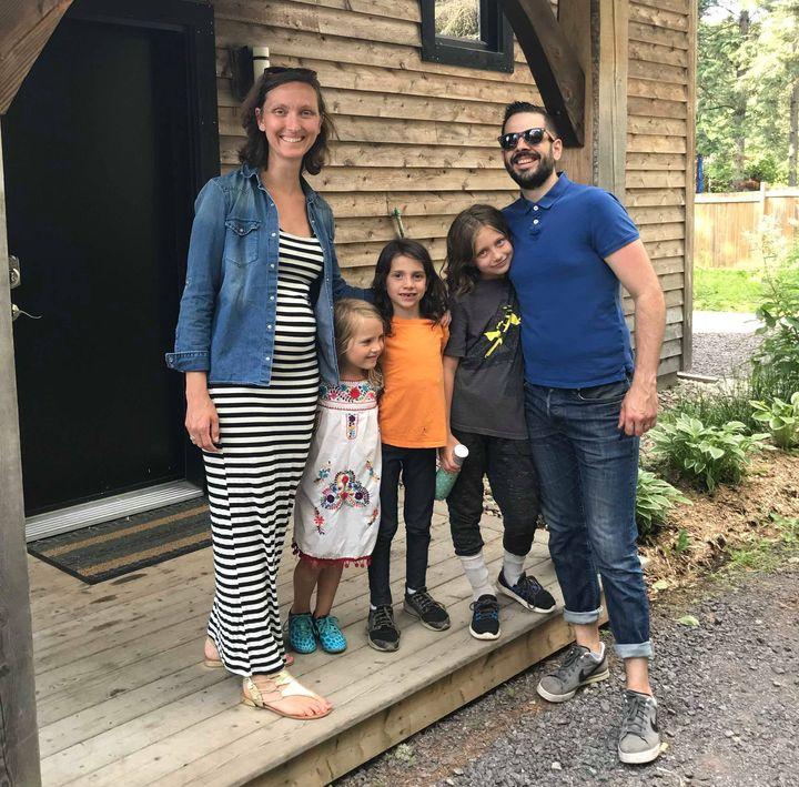 Partir à Val-David permet à ses enfants de grandir près de la nature.