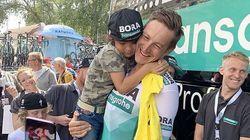 Un cycliste du Tour de France a retrouvé son petit
