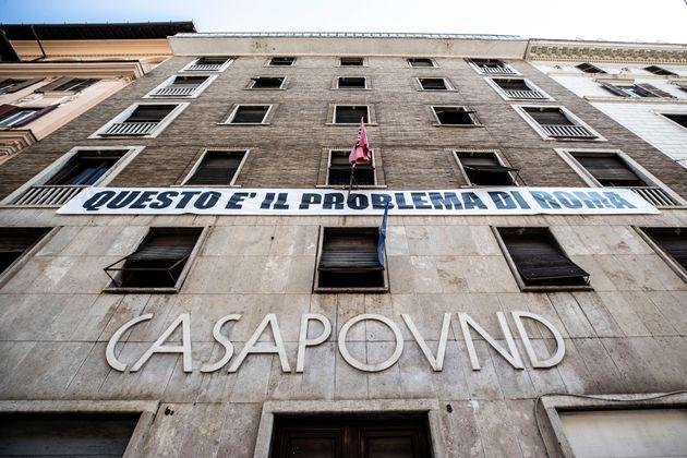 Casapound sfida Virginia Raggi: