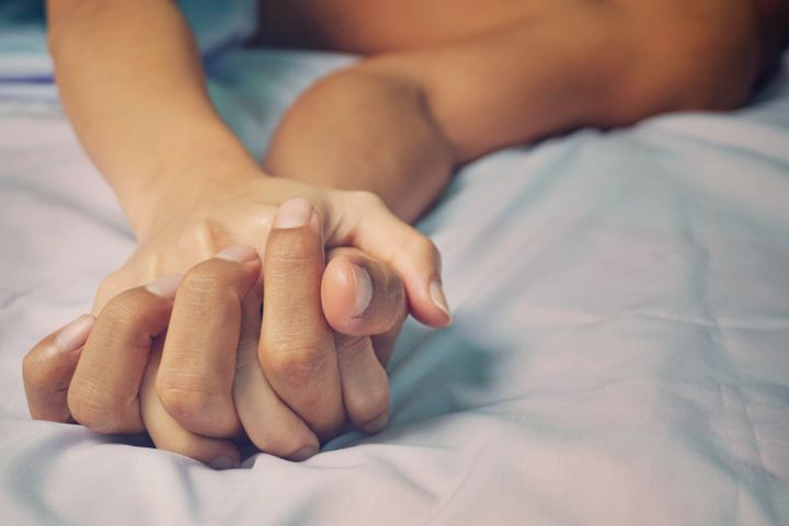 Les doigts sont un excellent moyen pour découvrir des zones sensibles.