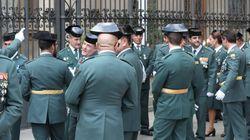 Sancionados tres guardias civiles por poner el 'Cara al Sol' a todo volumen en el