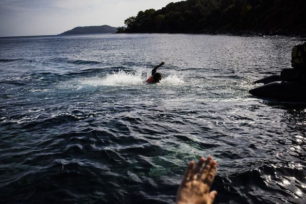 Más de cien migrantes desaparecidos tras un naufragio en la costa