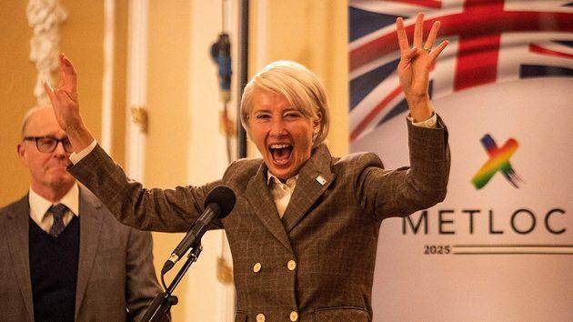 Emma Thompson é a populista Viv Rook, um tipo de versão ficcional do primeiro mininistro...