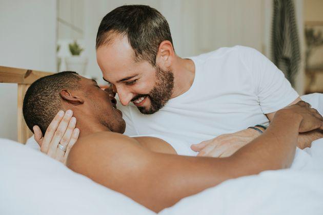 Há mais casais gays inter-raciais que heterossexuais, mostram