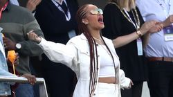 Rihanna Is The Best-Smelling Person On Earth, According To A Long List Of