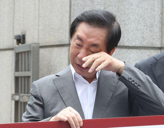 KT 공채 실무자가 김성태 딸 부정 채용 의혹에 입을
