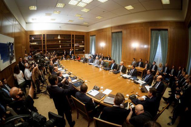 Συνεδριάζει το Υπουργικό Συμβούλιο για μείωση ΕΝΦΙΑ και 120