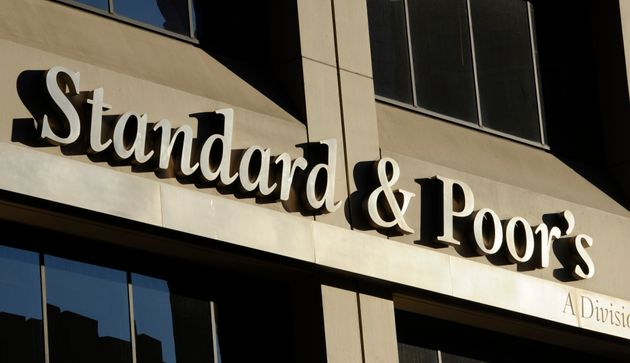 Standard & Poor'S mette in guardia l'Italia:
