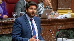 PP, Cs y Vox unen sus votos para investir a López Miras en