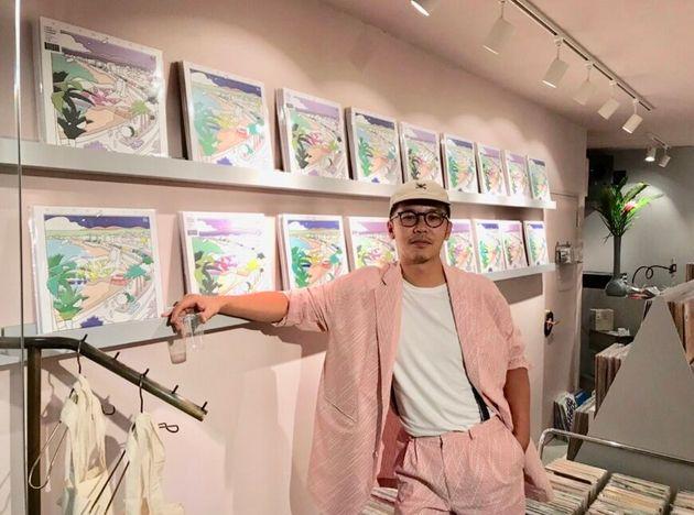 AOR 전문 레코드숍을 운영 중인 패션 디자이너 유게