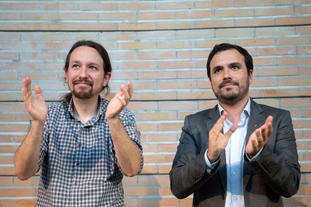 Pablo Iglesias y Alberto Garzón, el pasado abril, de campaña en