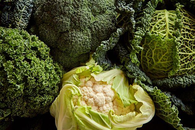 Os crucíferos, tais como couve, brócolis e couve-flor, em geral oferecem mais benefícios...