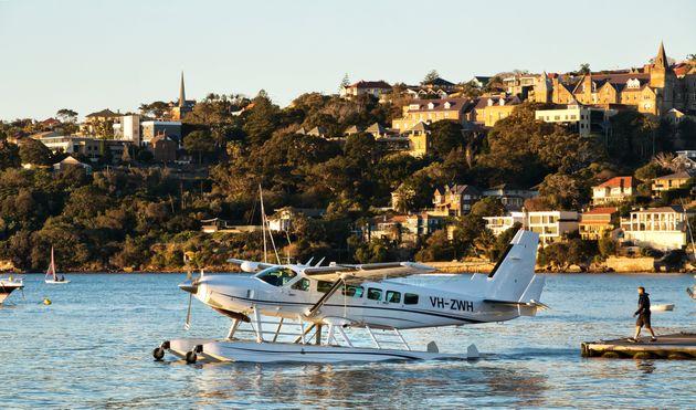 A Cessna 208 in