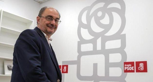 PSOE y Podemos llegan a un preacuerdo para investir a Lambán en
