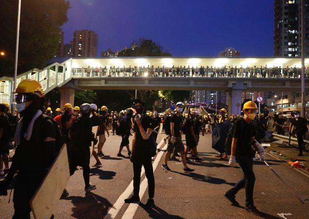 Hong Kong, anche proiettili di gomma contro i