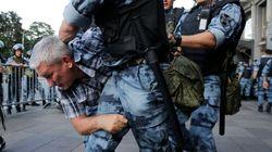 A Mosca centinaia di arresti alle proteste