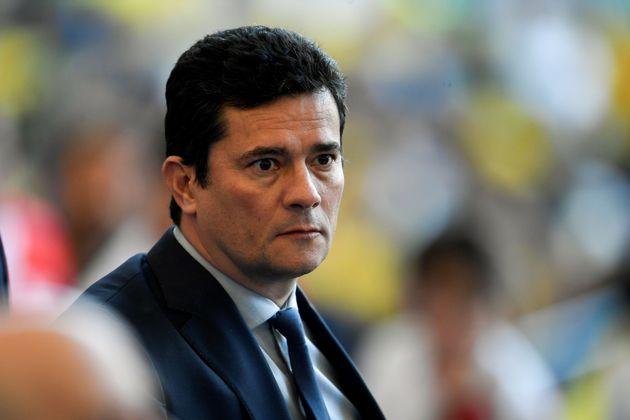 Bolsonaro descartou a possibilidade de Moro deixar o governo por causa do episódio e disse que...