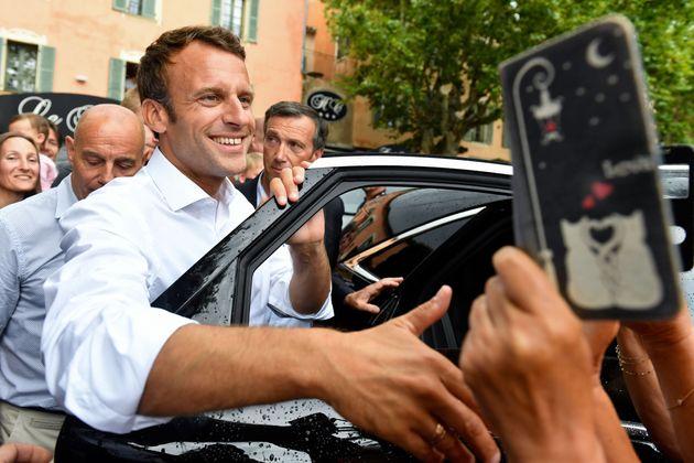 ÀBormes-les-Mimosas, dans le Var, le président de la République s'est offert...