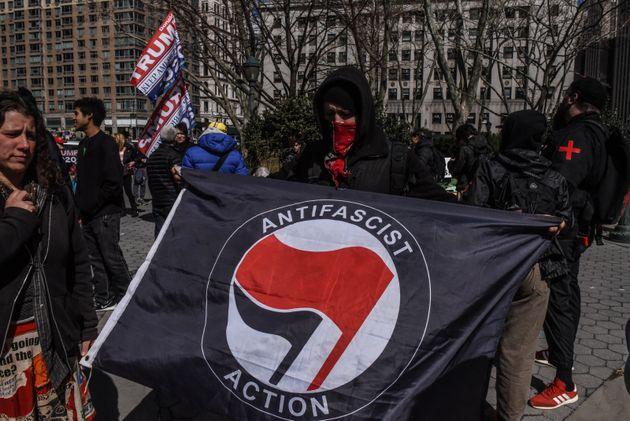 Ο Τραμπ απειλεί να εντάξει το Κίνημα ANTIFA στον κατάλογο των τρομοκρατικών