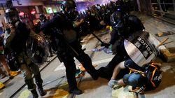 홍콩에서 8주째 시위가 열렸고, 경찰은 강경진압으로