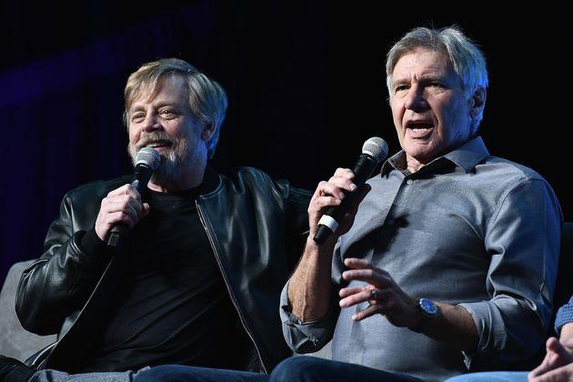 Mark Hamill (droite) et Harrison Ford (gauche) avaient découvert le script du premier épisode...