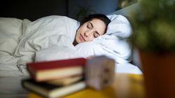 Vous parlez en dormant? Voici tout ce qu'il faut savoir sur ce
