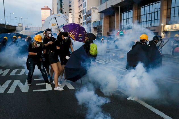 Τραβάει το σκοινί Κίνα - Ζητά από το Χονγκ Κονγ την τιμωρία των