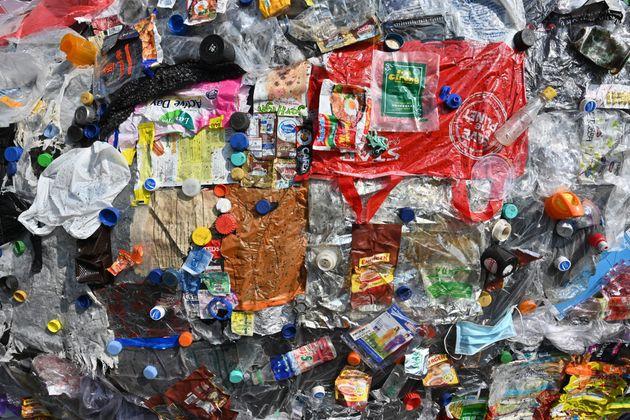 Η Ινδονησία έστειλε πίσω σε Γαλλία και Χονγκ Κονγκ τα σκουπίδια