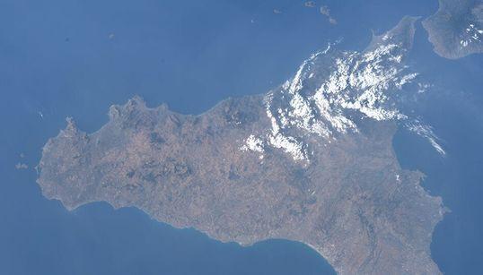 La Sicilia dallo spazio di Luca Parmitano merita almeno due minuti della vostra